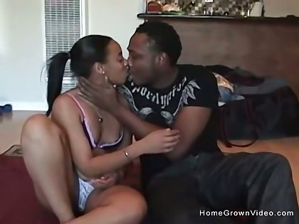 Amateur black couple make their first porn video