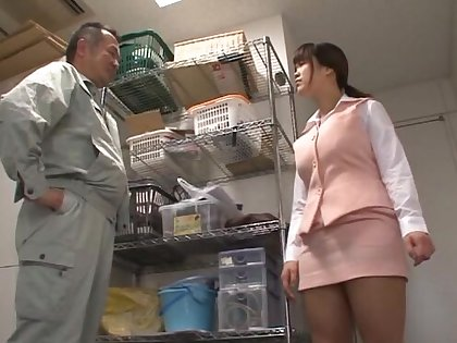 Brunette Miyuki Matsushita loves unsustained a dick with their way boobs