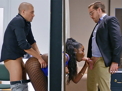 Insatiable bosses depopulate stuck bootylicious dark-hued in be transferred to frontier